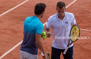 Márton Fucsovics of Hungary and Marco Cecchinato of Italy during the second round at Roland Garros Grand Slam Tournament - Day 4 on May 30, 2018 in Paris, France.