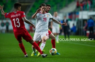 David Holman of Hungary competes for the ball with Eddy of Azerbaijan during the Hungary and Azerbaijan European Qualifier match at Groupama stadium on Oct 13, 2019 in Budapest, Hungary.